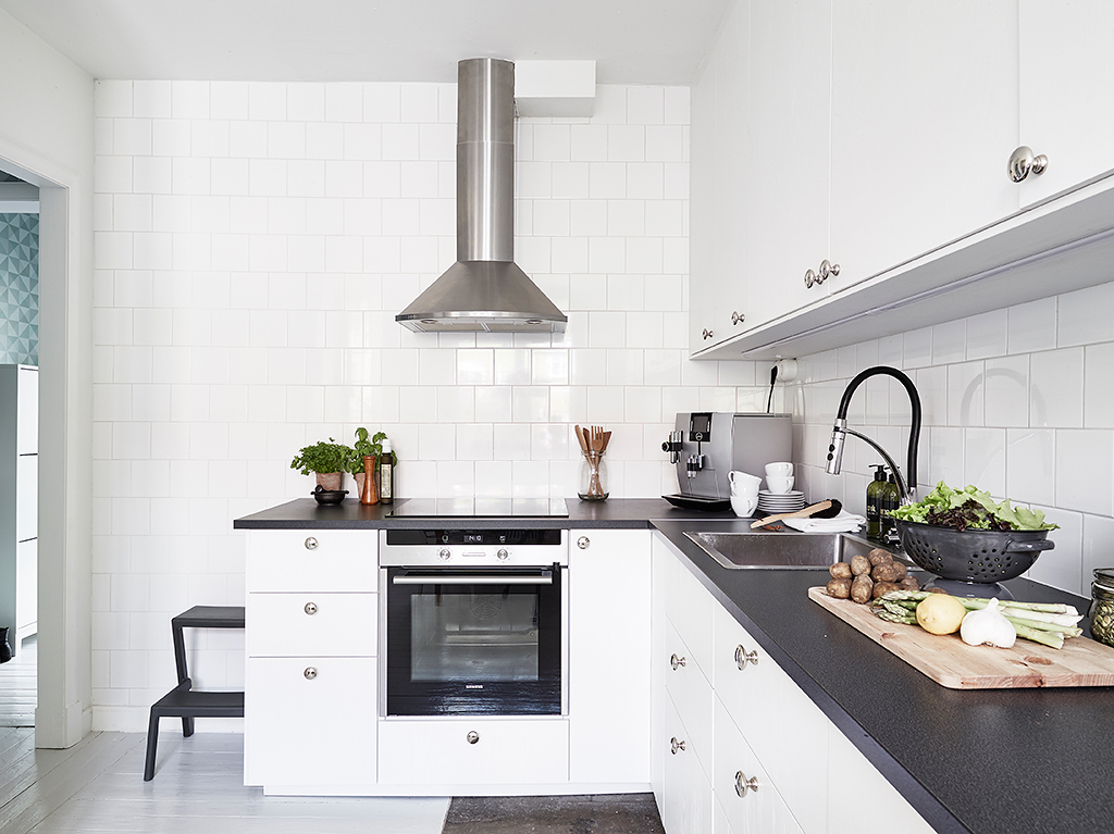 Zwart Wit Appartement : Binnenkijker in dit zwart wit appartement